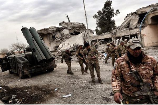 قوات عراقية تقاتل في احياء الموصل