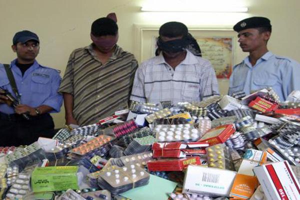عصابة مخدرات عراقية بقبضة رجال الامن