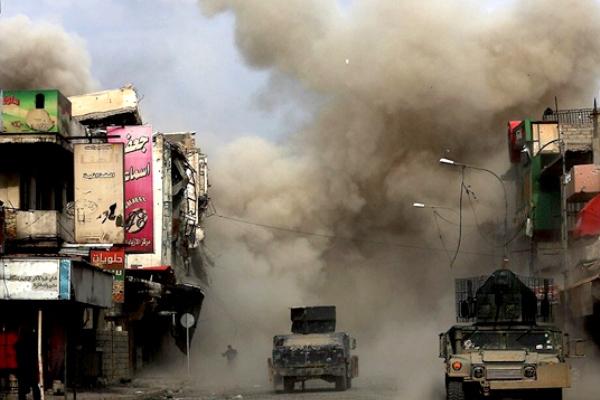 قوات عراقية تقاتل في آخر أحياء الموصل القديمة