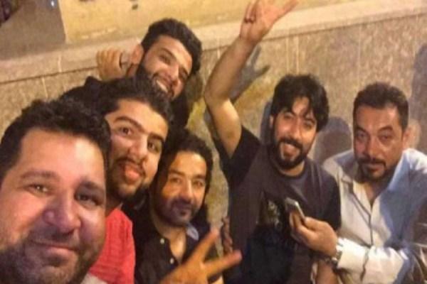 الناشطون الجامعيون العراقيون لدى تحريرهم من الاختطاف