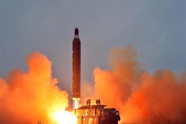 تجري بيونغ يانغ ثاني تجربة صاروخية في غضون أسبوعين
