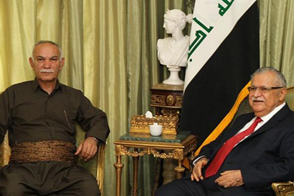 طالباني خلال اجتماع مع رئيس حركة التغيير الكردية المعارضة نوشيروان مصطفى