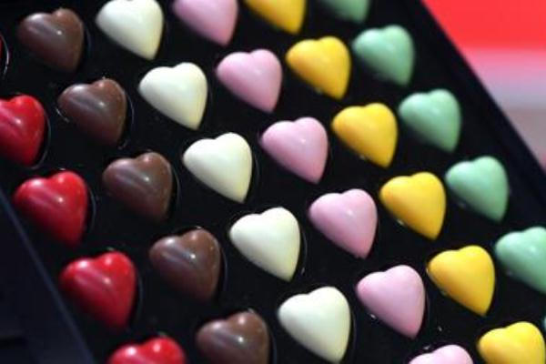 الشوكولاته تخفض خطر الاصابة باضطراب ضربات القلب