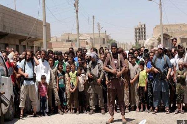 داعش لدى سيطرته على قضاء الحويجة