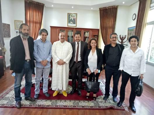 وزير الثقافة والاتصال المغربي محمد الأعرج مع مهنيي قطاع المسرح بالمغرب
