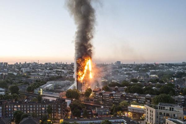 مئات الأبراج السكنية اللندنية في خطر