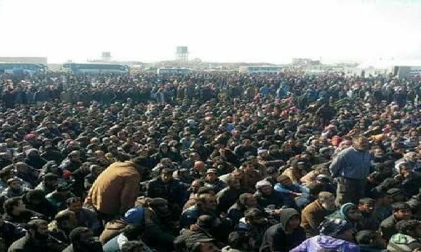 نازحون بالآلاف من الموصل