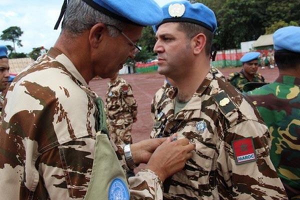 جندي مغربي ضمن قوات القبعات الزرق العاملة في أفريقيا الوسطى
