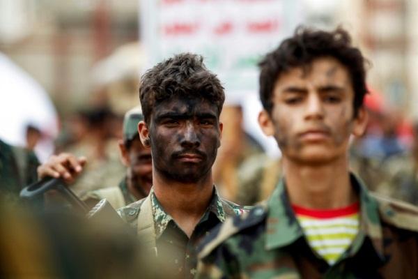 إيران تستخدم أموال المخدرات لتسليح الحوثيين