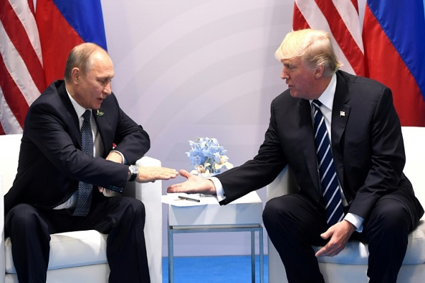 ترمب يشكر بوتين على طرد الدبلوماسيين الأميركيين