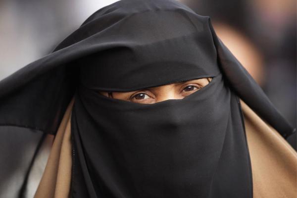 الحكومة النمساوية تتوعد المسلمات بحملة دعائية