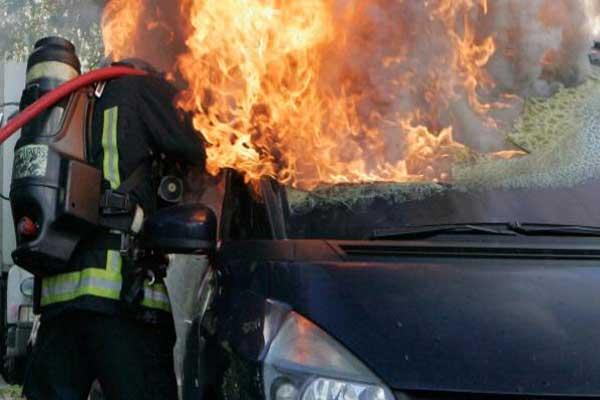 1031 سيارة أحرقت ليلة رأس السنة هذه