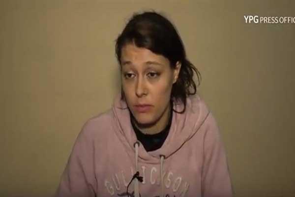 إيميلي كونيغ متحدثة في فيديو عن تجربتها