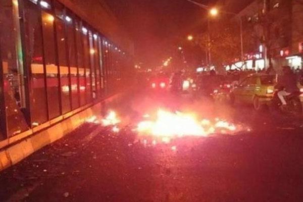 استمرار الإحتجاجات في ايران