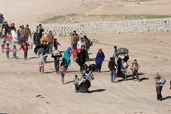نازحون عراقيون يعودون الى مناطقهم