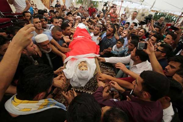 الأردنيون يشيعون أحد قتيلي حادث السفارة الإسرائيلية