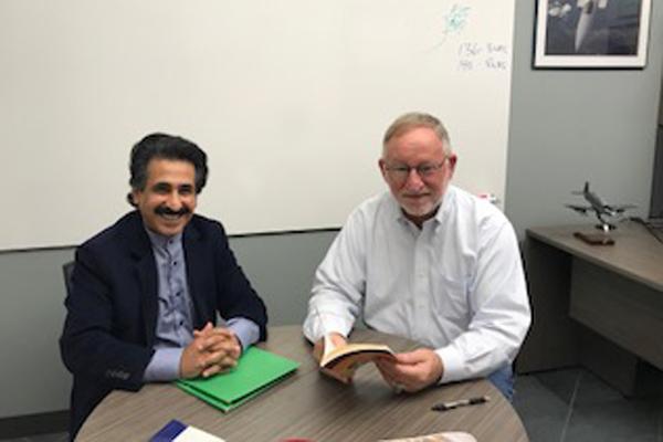 خلال لقاء إيلاف مع السفير الأميركي السابق في السعودية جيم سميث
