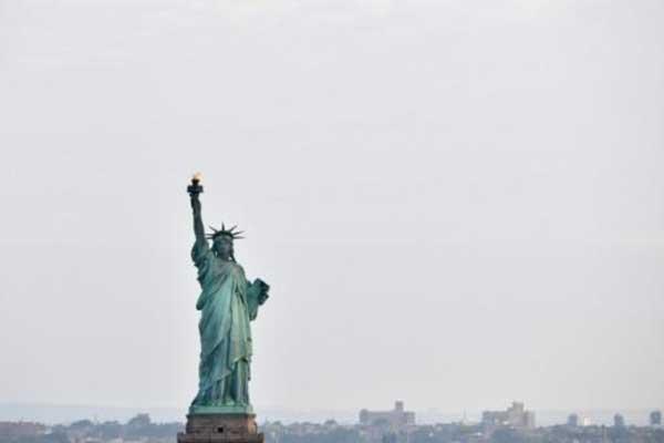 صورة لتمثال الحرية في نيويورك تعود إلى الأول من يوليو 2017