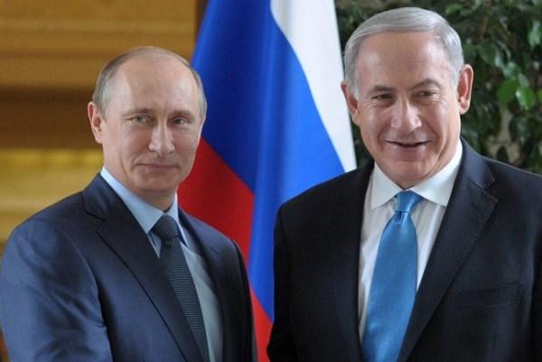 نتانياهو خلال لقاء سابق مع بوتين في سوتشي
