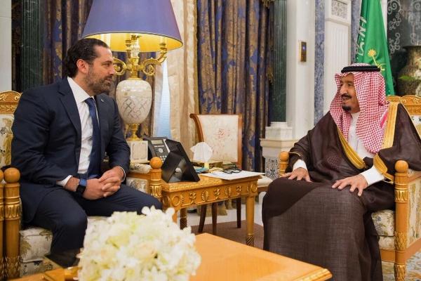 الملك سلمان مستقبلا الحريري في الرياض في 6 نوفمبر 2017