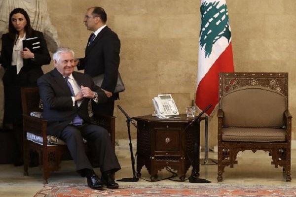 تيلرسون منتظرا وصول نظيره اللبناني