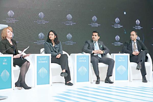 خلال القمة العالمية للحكومات في دبي