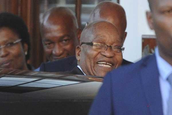 أخيرًا فعلها رئيس جنوب أفريقيا... واستقال
