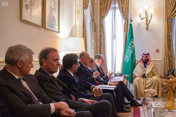 الأمير محمد بن سلمان خلال اللقاء مع هاموند