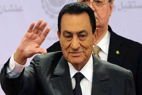 مبارك ينفي في الشريط الصوتي نفيًا قاطعًا نيته بتوريث الحكم لابنه سابقًا