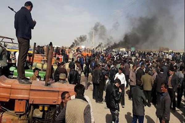 قوات الأمن الإيرانية تهاجم المزارعين المحتجين