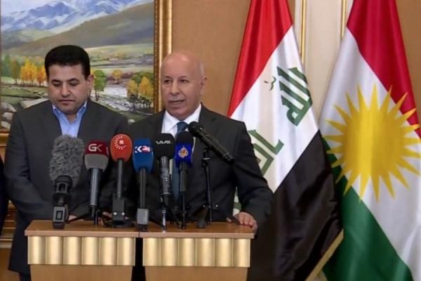 وزيرا الداخلية العراقي والكردستاني خلال مؤتمرهما الصحافي في اربيل اليوم