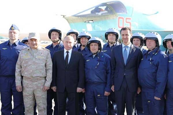 بوتين والأسد في جولة ميدانية داخل قاعدة حميميم العسك رية