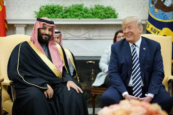 ترمب خلال لقائه الأمير محمد بن سلمان قبل قليل