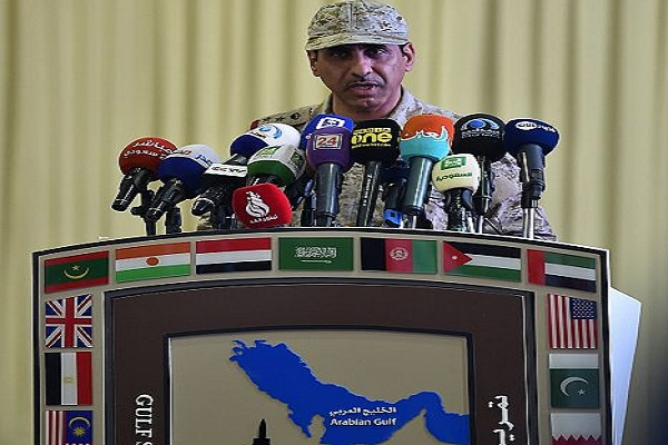 العميد عبد الله السبيعي المتحدث الرسمي لتمرين درع الخليج 1 خلال المؤتمر الصحافي