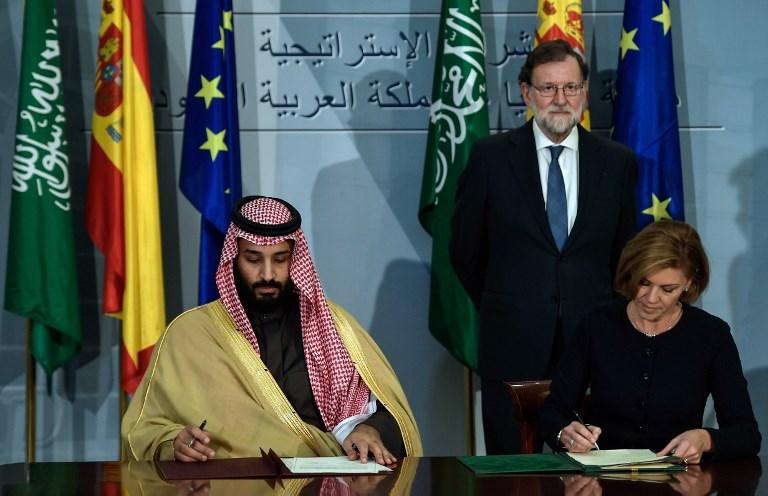 ولي العهد السعودي محمد بن سلمان ووزيرة الدفاع الاسبانية ماريا دولوريس دي كوسبيدال