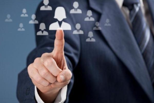 طرق قد يُغَيِّر بها الذكاء الاصطناعي سوق الوظائف