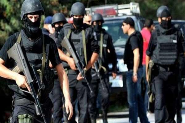 أزمة بسبب مد الطوارئ في مصر