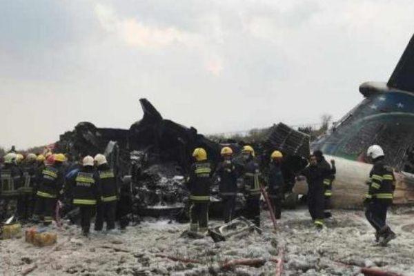الطائرة تحطمت بعيد إقلاعها من قاعدة بوفاريك قرب العاصمة
