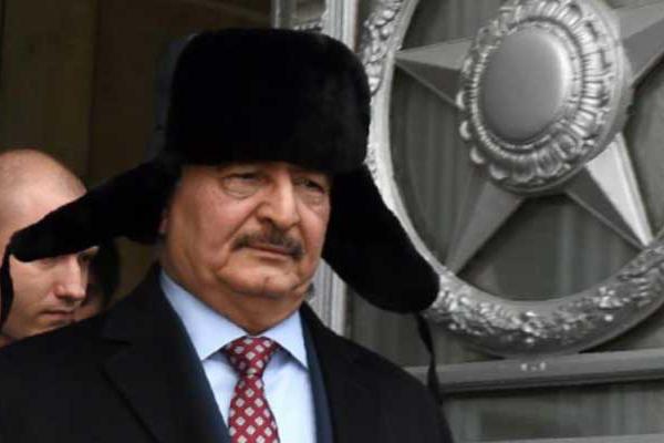 المشير خليفة حفتر خلال زيارة سابقة لموسكو