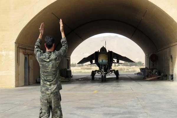 دمشق تخلي قواعدها العسكرية