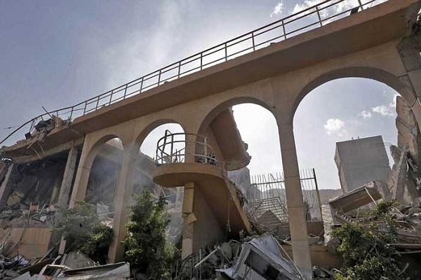 جانب من آثار تدمير إحدى المنشآت السورية