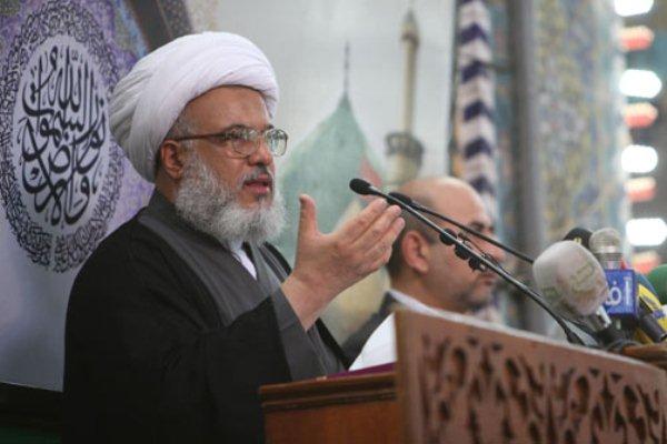 الشيخ عبد المهدي الكربلائي خلال خطبة الجمعة في كربلاء