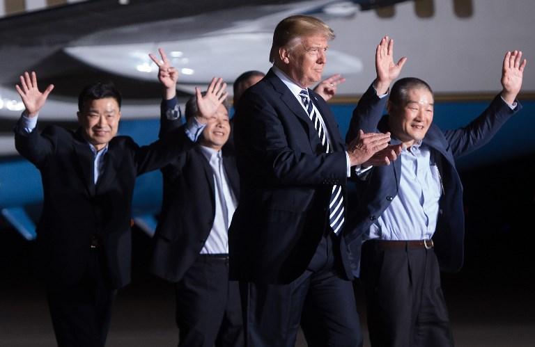 ترمب مستقبلا 3 أميركيين أفرجت عنهم كوريا الشمالية