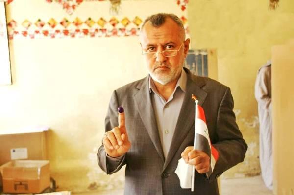 علي دواي مشاركًا في الانتخابات الأخيرة