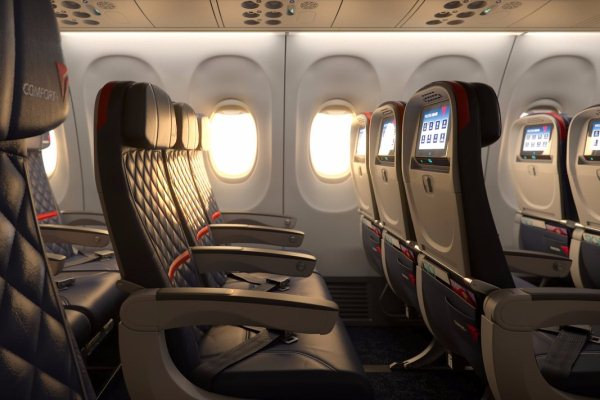 مقاعد طائرات جديدة تنظف نفسها بشكل تلقائي