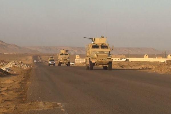 قوات الجيش المصري تمشط المناطق في سيناء