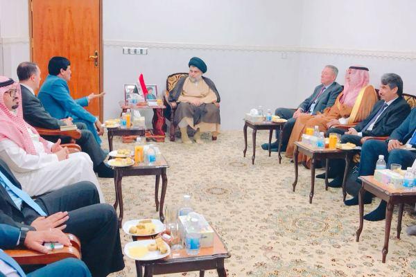 الصدر مجتمعا في النجف مع سفراء دول الجوار العراقي بغياب السفير الإيراني