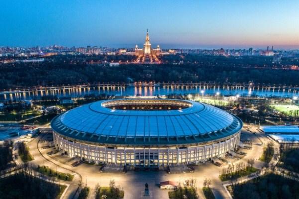 ستاد لوجنيكي في موسكو الذي سيستضيف مباراتي افتتاح ونهائي كأس العالم 2018 في روسيا