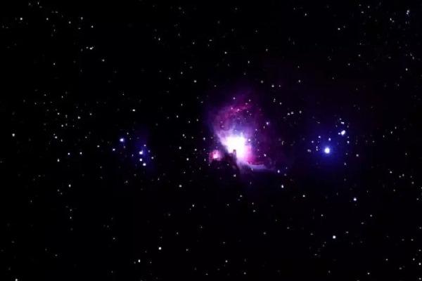 تحديد بداية فجر الكون هو من التحديات الكبرى التي تواجه العلماء