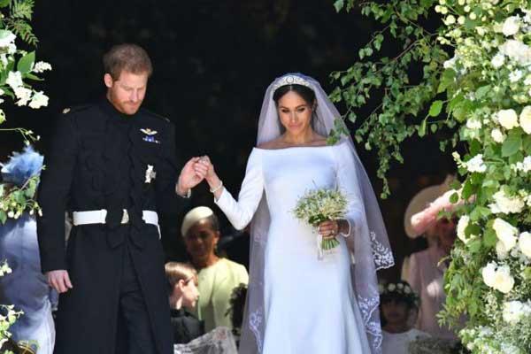 تميز فستان زفاف الأميرة الجديدة بالبساطة